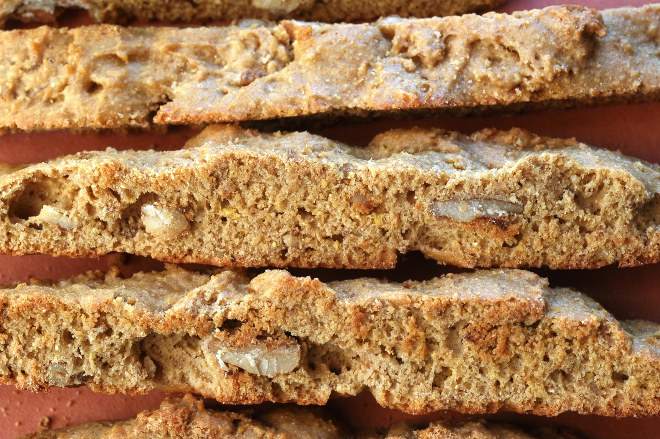 walnut-biscotti